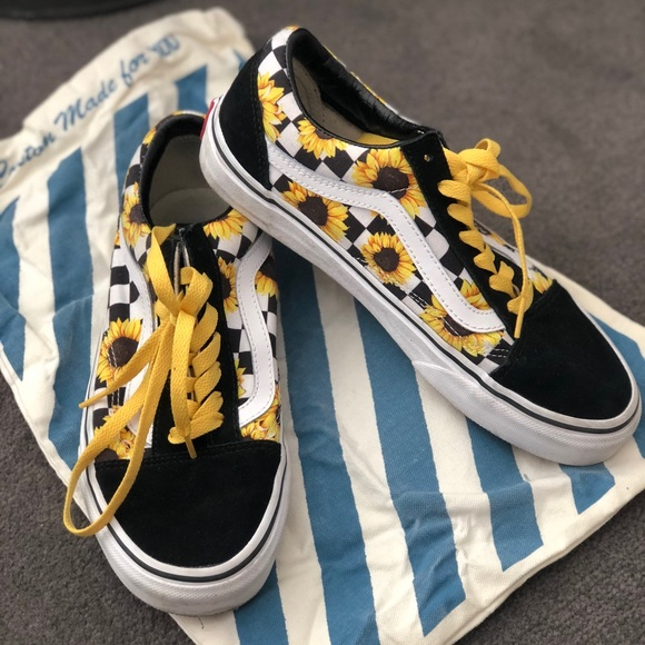 VERY RARE Checkered sunflower old skool vans. M 5bd0a3564ab63326bc8ac182 81b633235
